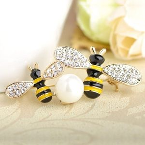 Jewelry - Two Bees Insects Brooch with Pearl